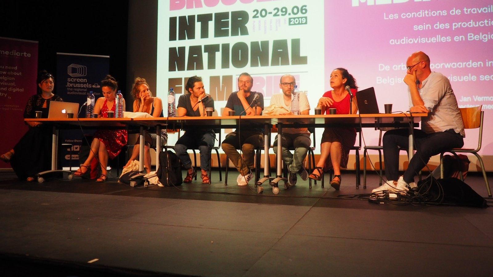 La conférence sous forme de débat avec différents interlocuteurs